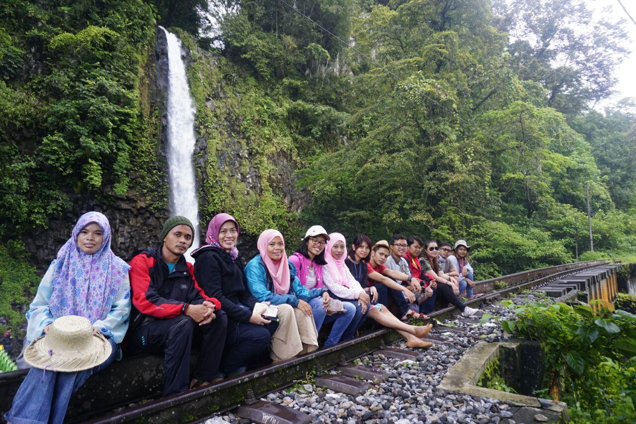 Photo of Menikmati Air Terjun Lembah Anai Di Sisi Jalan Bukittinggi, Sumatera Barat
