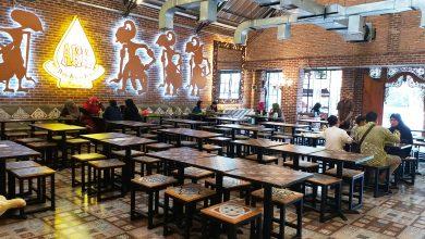 Photo of Restoran Dengan Konsep Tradisional Ayam Kremes Kraton, Tebet